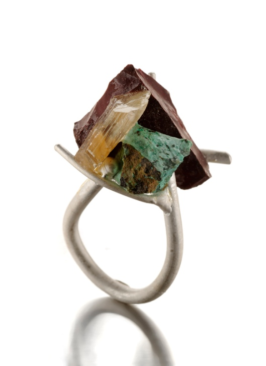 Catalina Brenes - MORFOSI SERIES RING, 2011. Silver, beryllium, moohzite and turquoise. Photo courtesy of the artist