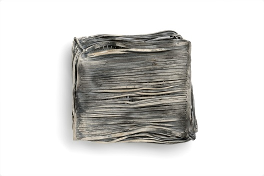 Anastasia Kandaraki - A posto cosi. Brooch. Oxidized silver. Photo from http://www.artjewelryforum.org