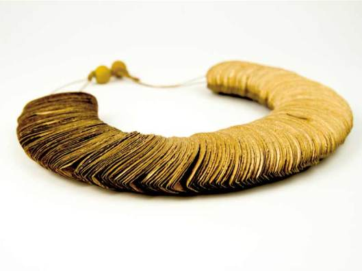 Ana Hagopian - Necklace. Paper, color. Photo from http://www.anahagopian.com