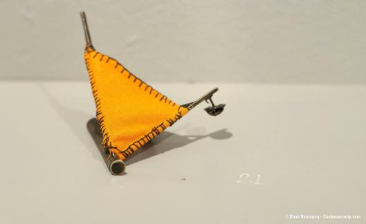 Jenny Antonopoulou - Untitled (2012). Brooch. Oxidized nickel silver, cloth. Photo by Eleni Roumpou