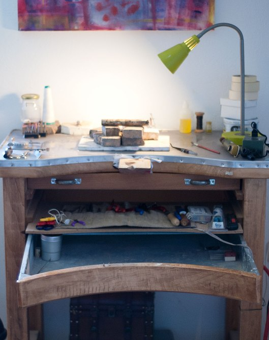A genuine Alchimia workbench! Notice the metalic casing on top of the bench, which provides a more secure surface for soldering. Photos by Eleni Roumpou