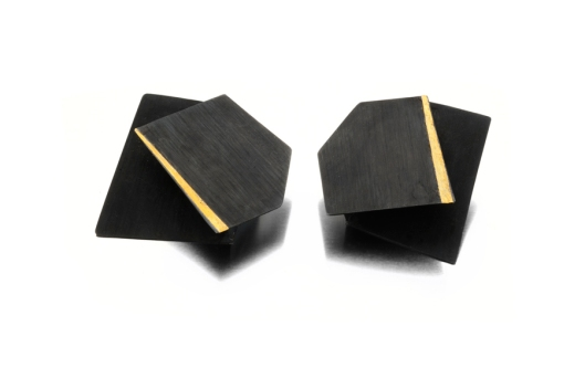 Yoko Shimizu - 'Arno by Night' Series. Earrings: Oxidized silver, gold. Photo by www.yokoshimizu.it