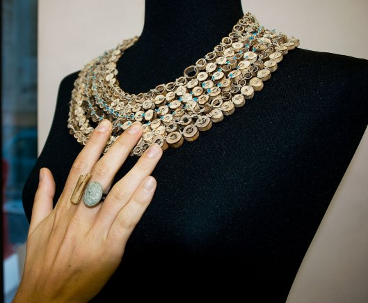 Valentina Caporali - Necklace and ring. Wood, hemp thread, pebble. Photo by Eleni Roumpou