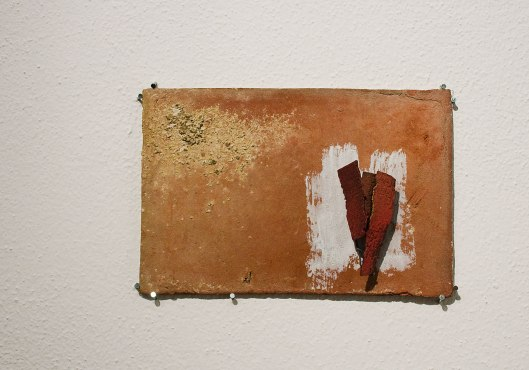 Han-Chieh (Joy) Chuang - Red Brick Brooch Series (2013). Enamel, silver, copper, paper, steel, 18ct gold dust, brass dust. Photo by Eleni Roumpou