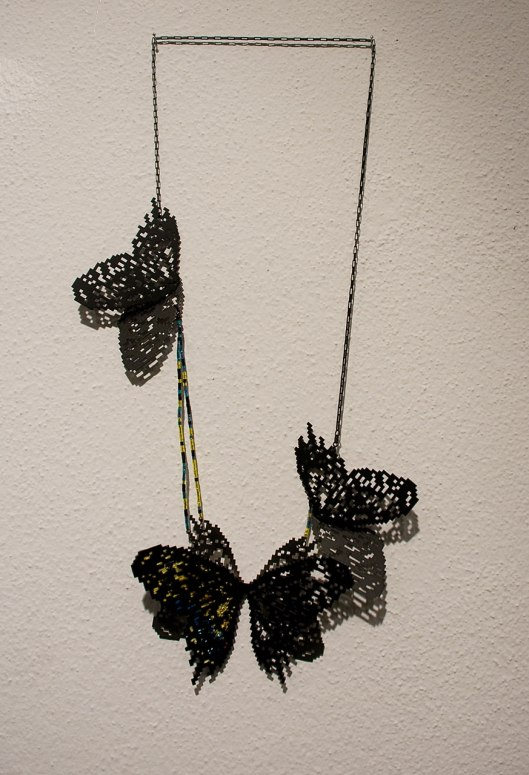 Heng Lee - Necklace (2013). Stainless steel, thread, silk organza. Photo by Eleni Roumpou