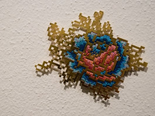 Heng Lee - Brooch (2013). Stainless steel, thread, silk organza. Photo by Eleni Roumpou