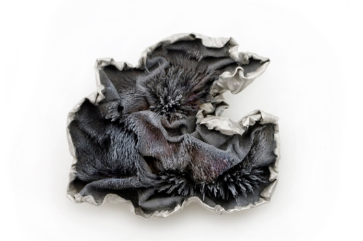 Ying-Hsun (Zita) Hsu - Brooch. Photo courtesy of the artist.